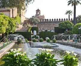 les jardins de l'Alhambra à Grenade ; jardins hispano-mauresques - Professionnels A Domicile