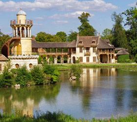 parc du petit Trianon ; hameau de la reine à Versailles - Professionnels A Domicile