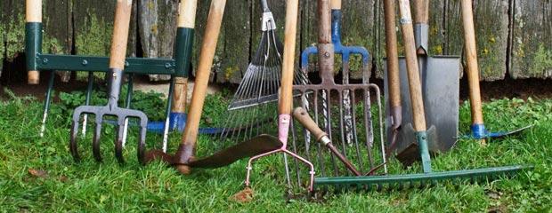 Outils de jardinage bien choisir ses outils jardiniers pro for Jardinier professionnel