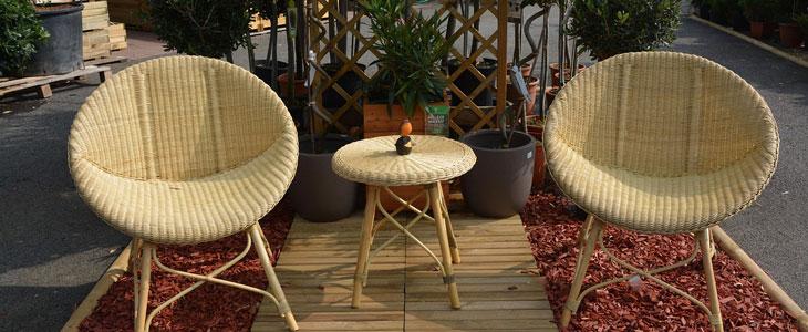 mobilier de jardin en rotin tressé