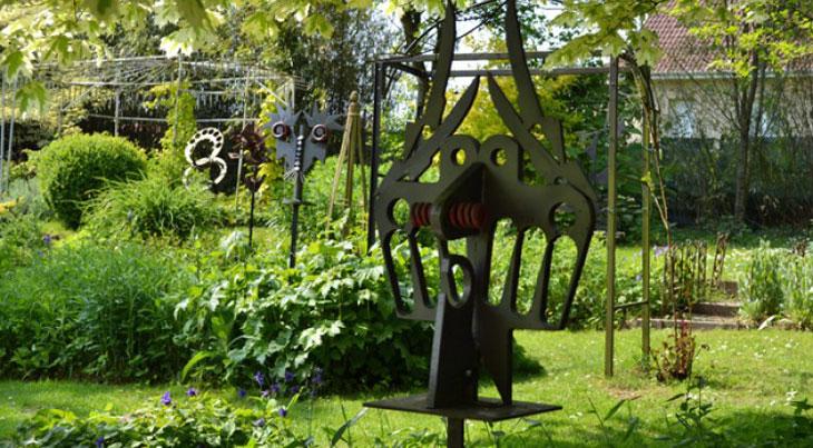 Sculptures-et-jardins-à-Bergueneuse-parcs-et-jardins-à-visiter-dans-le-nord