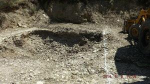 creuser trou serre enterree