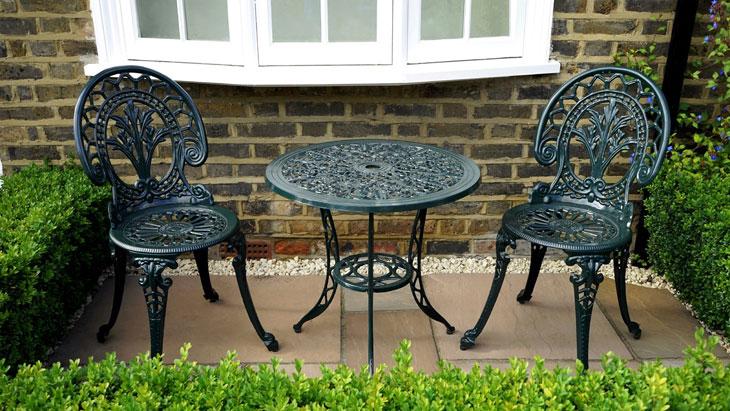 Mobilier de jardin en métal : Comment l\'entretenir ?