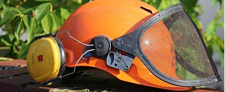 équipements de protection pour un paysagiste